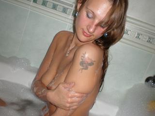 HotYvonne zeigt ihre Titten