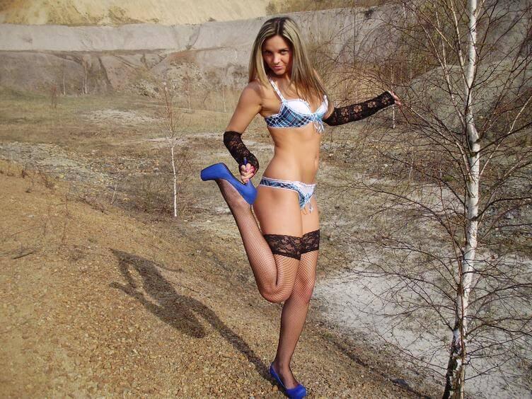 Sexcamgirl Nicole in heißen Dessous
