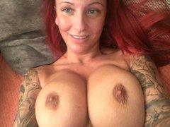 Pralle Brüste beim Cam Telefonsex